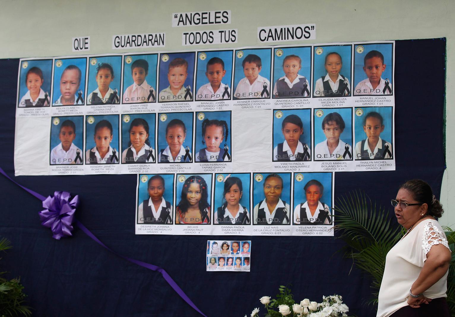 Incrementa la cifra de niños muertos por incendio de autobús en Colombia