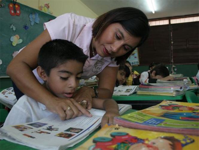 Veracruzanos recuerdan a maestros que los ayudaron en su crecimiento profesional