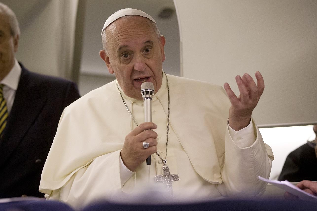 El papa Francisco anuncia primera reunión con víctimas de abuso