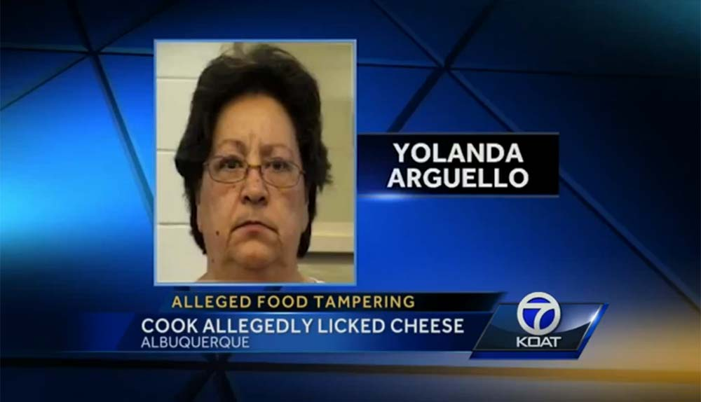 Cocinera lame sándwiches y los sirve a policías en Nuevo México