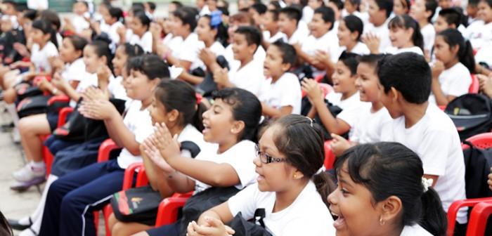 Avala Congreso local reforma para que gobierno otorgue uniformes escolares gratuitos