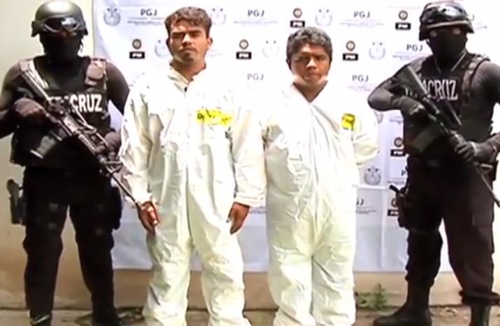 Elementos de la Policía Ministerial capturan a dos homicidas en Minatitlán.