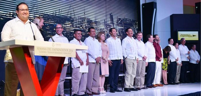 Veracruz, con gran impulso al desarrollo económico y tecnológico: Javier Duarte