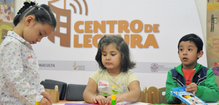 Celebra IVEC Día Mundial del Libro con maratón literario, en el Ágora