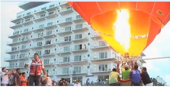 Disfrutan Festival de Globos Aerostáticos en la Macroplaza del Malecón de Veracruz
