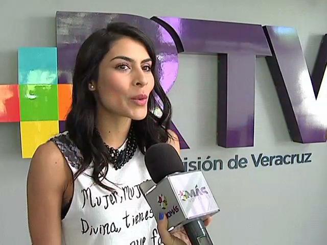 María León visita RTV previo a la presentación de su obra de teatro