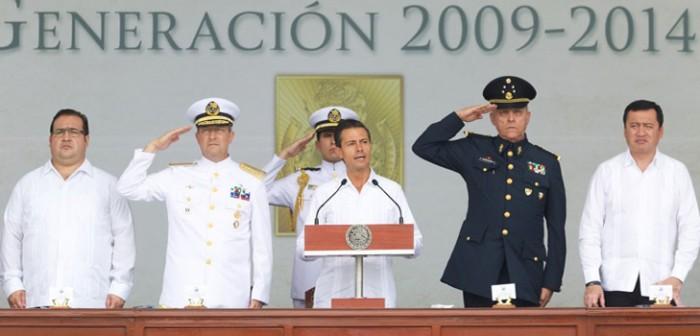 Acompaña el gobernador Javier Duarte al Presidente Enrique Peña Nieto en graduación de guardiamarinas
