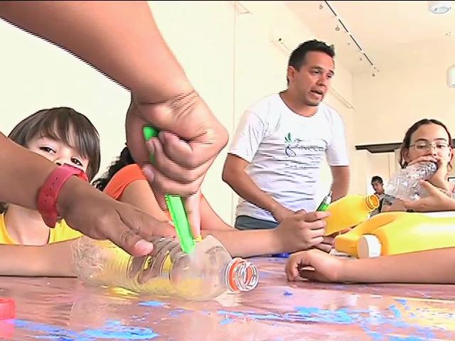 Niños aprenden importancia del reciclado en cursos de verano del Jardín Botánico