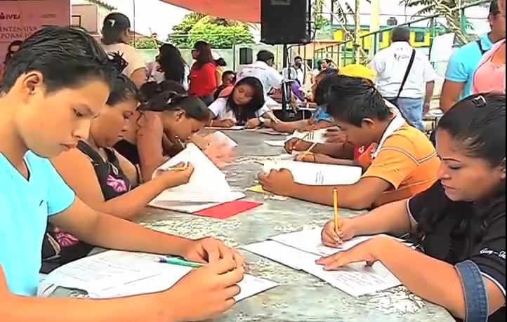 En la zona sur se han alfabetizado a mas de mil 700 personas en lo que va del año.