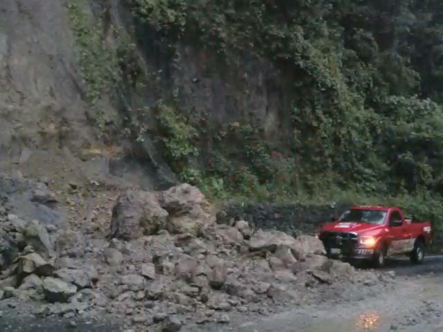 35 deslaves en la carretera a Huatusco, en lo que va del mes