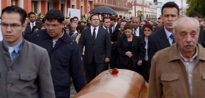 Acompaña Javier Duarte a la familia Velázquez Yunes, en homenaje póstumo a don Juan Manuel Velázquez Mora