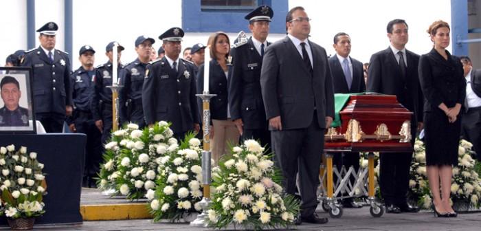 Veracruz rinde honores al policía héroe Eloy Pozos Rivera