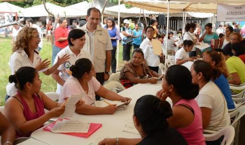 Caravana por la Educación beneficia a más de tres mil personas en la ciudad de Veracruz
