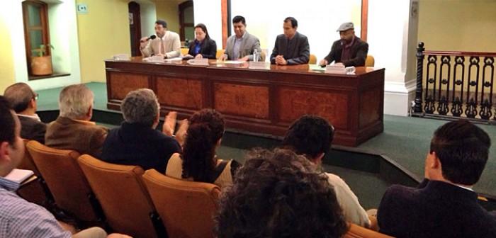 """Presentan el libro """"Desplazamiento forzado por proyectos de desarrollo"""""""