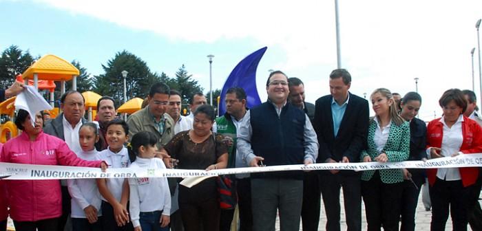 Inaugura gobernador Javier Duarte Parque Recreativo DIF Perote