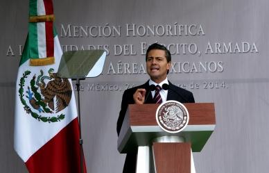 Reconoce el presidente Enrique Peña Nieto a los congresos estatales