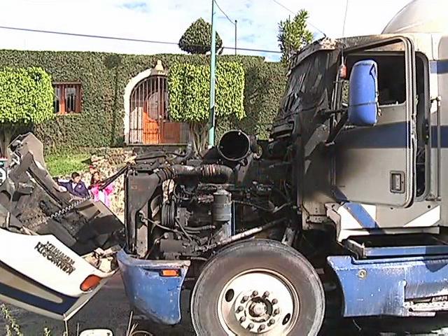 Se incendia tráiler en Xalapa