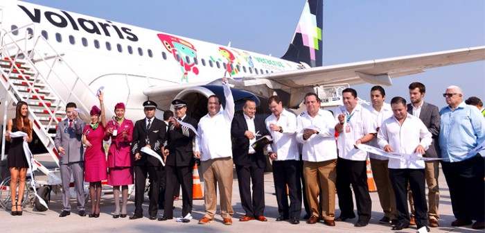 Inaugura gobernador Javier Duarte vuelo Veracruz-México, de Volaris