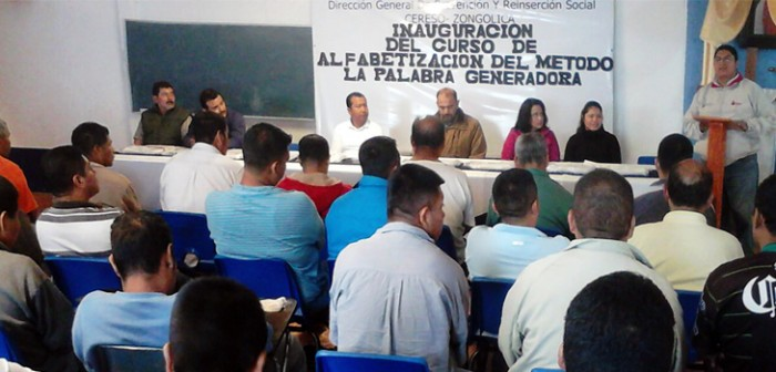 Inauguran curso de alfabetización en lengua náhuatl a internos del Cereso de Zongolica