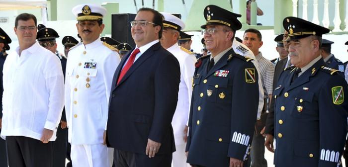 Atestigua gobernador Javier Duarte toma de posesión del nuevo Comandante de la 6ª Región Militar