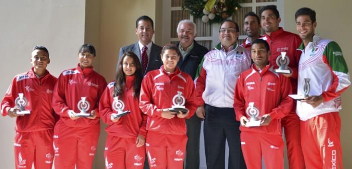 Felicita Javier Duarte a atletas veracruzanos que participaron en los JCC 2014