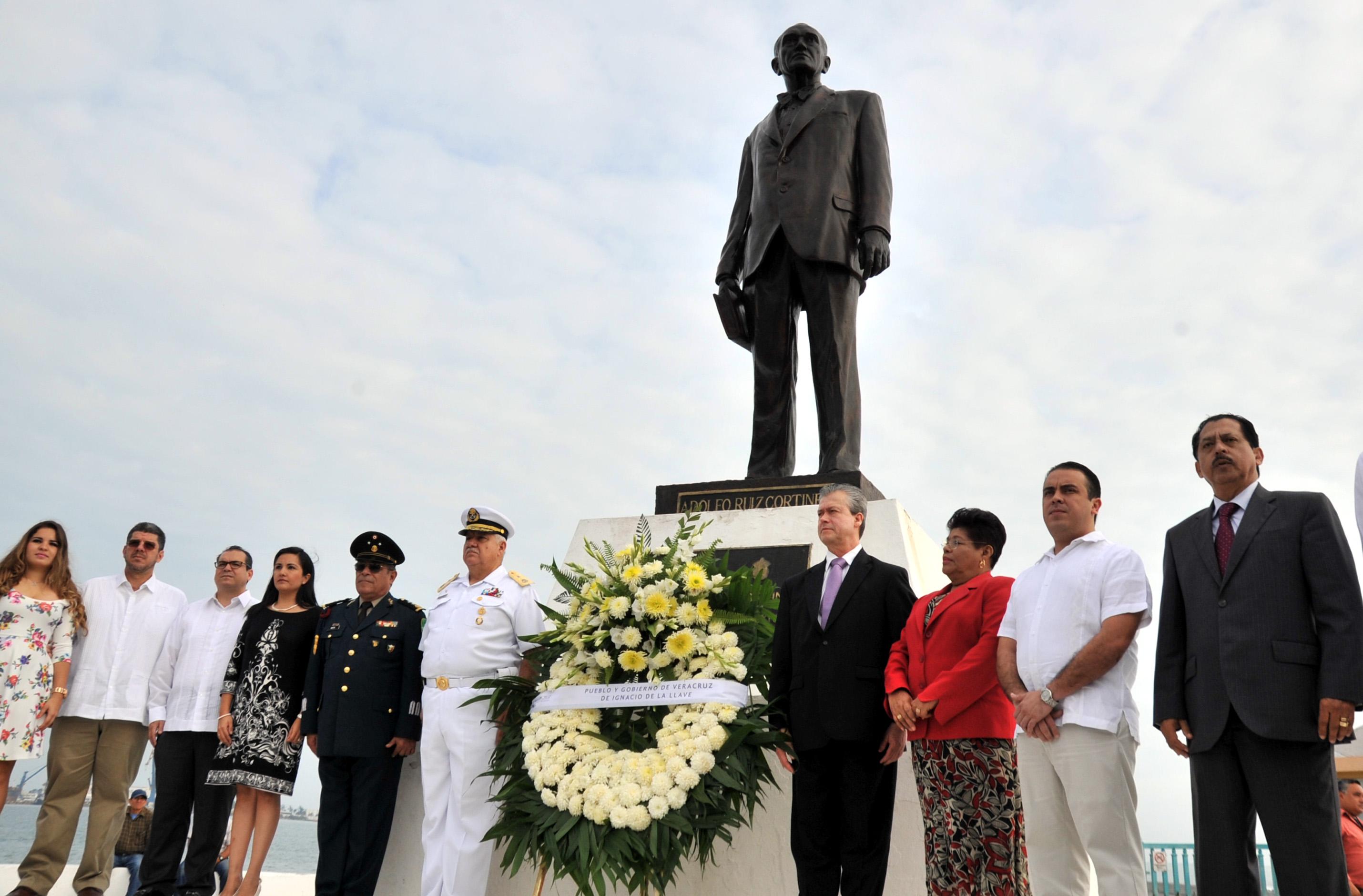 En Veracruz se comparte el legado de honradez y probidad del expresidente Adolfo Ruiz Cortines: Buganza