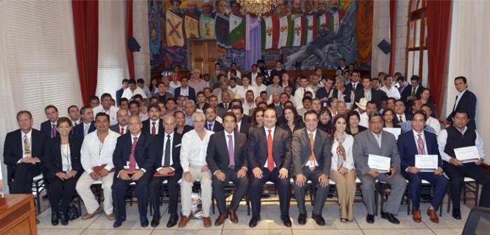 Veracruz y Pemex, con acuerdo histórico por el desarrollo social: Javier Duarte