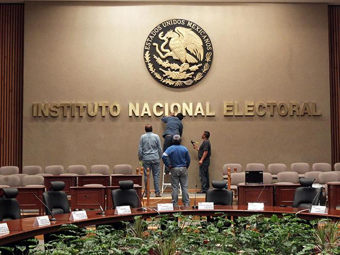 INE publica nuevo reglamento para fiscalizar a partidos