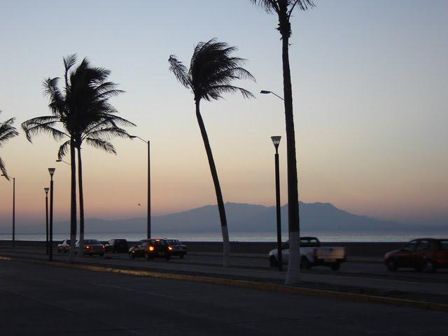 Garantizan seguridad a quienes asistan al malecón de Veracruz