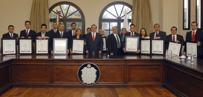 Entrega gobernador Javier Duarte Distintivo L a 15 empresas veracruzanas