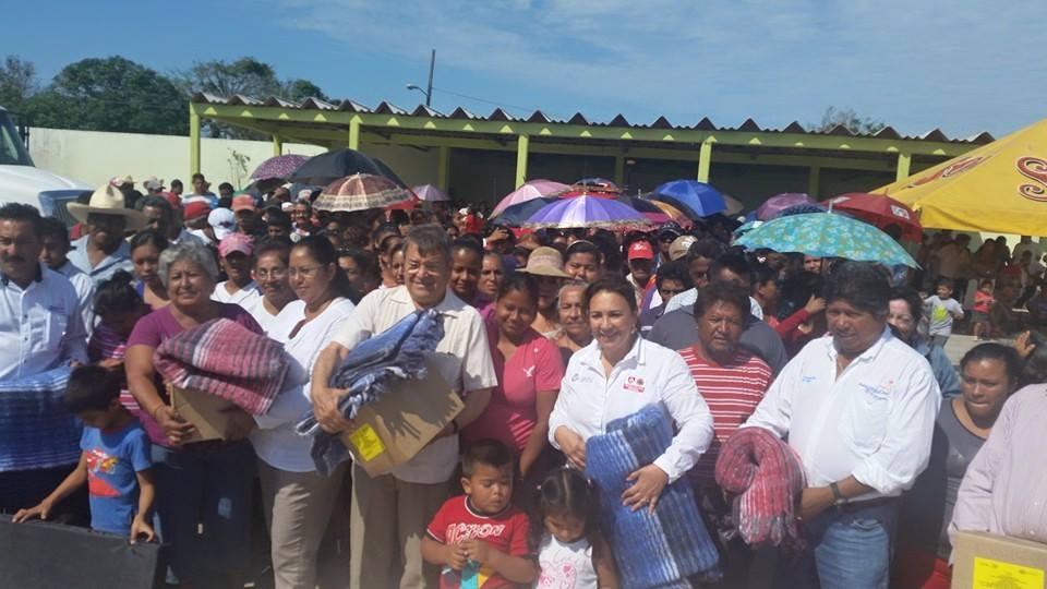 Entrega PC insumos a miles de familias afectadas de Medellín