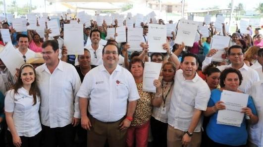 En Veracruz puerto JDO entregó escrituras y documentos agrarios a familias de 17 colonias y dos ejidos