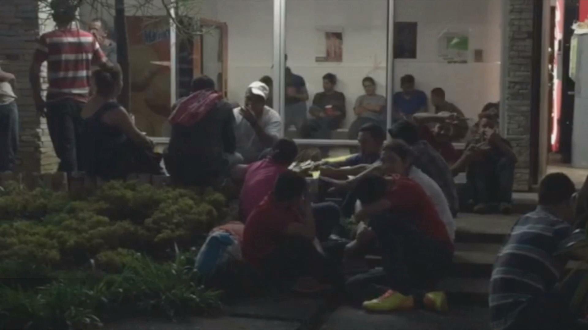 Rescata Policía Estatal a migrantes en Minatitlán