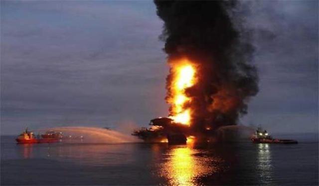 Cuatro trabajadores murieron en el incendio de la plataforma Abkatún Alfa