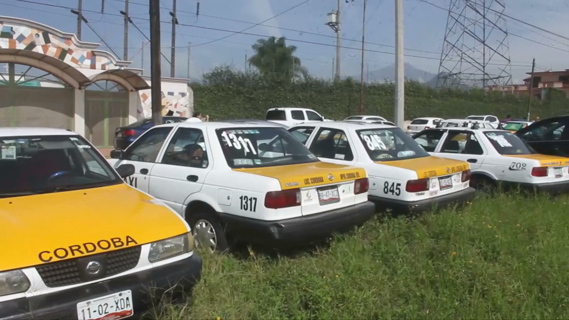 Taxistas podrían aumentar tarifa por nuevo gasolinazo