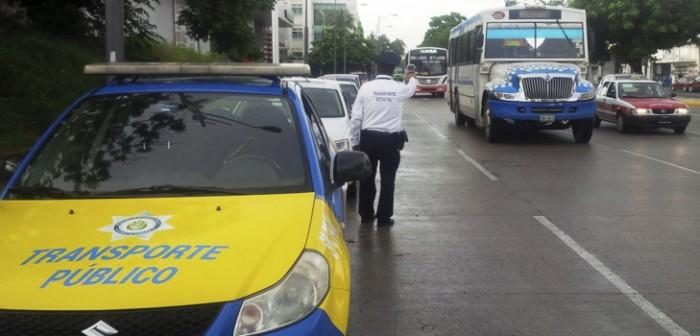 Mantienen revisión de unidades de transporte en Veracruz