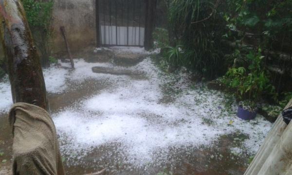 Anegamientos y daños materiales deja granizada en Xalapa