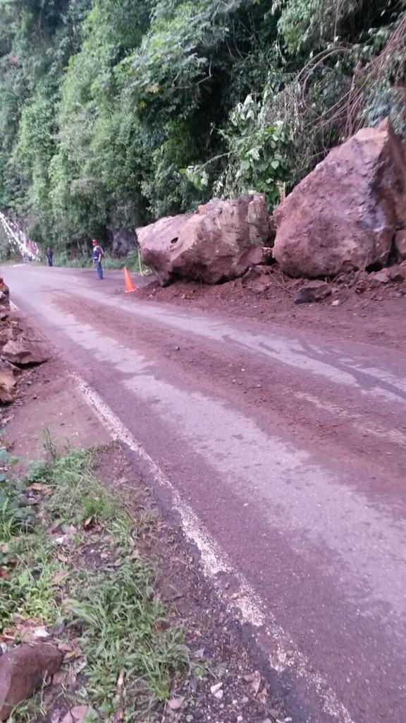 Reparan socavamiento en carretera Pacho Viejo-Coatepec