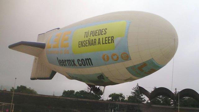 INEA e IVEA realizan campaña de promoción de lectura con un dirigible