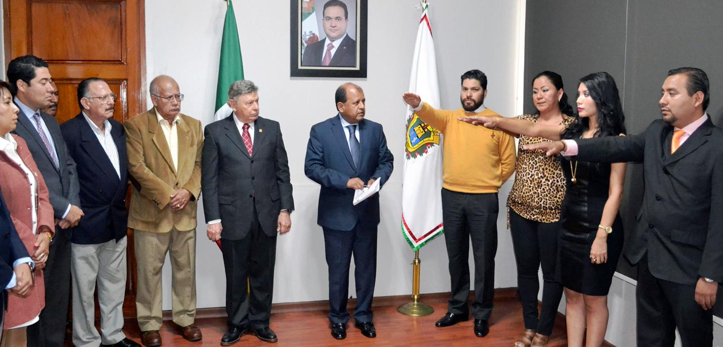 Toma protesta Subsecretario de Gobierno a nuevos oficiales de Registro Civil