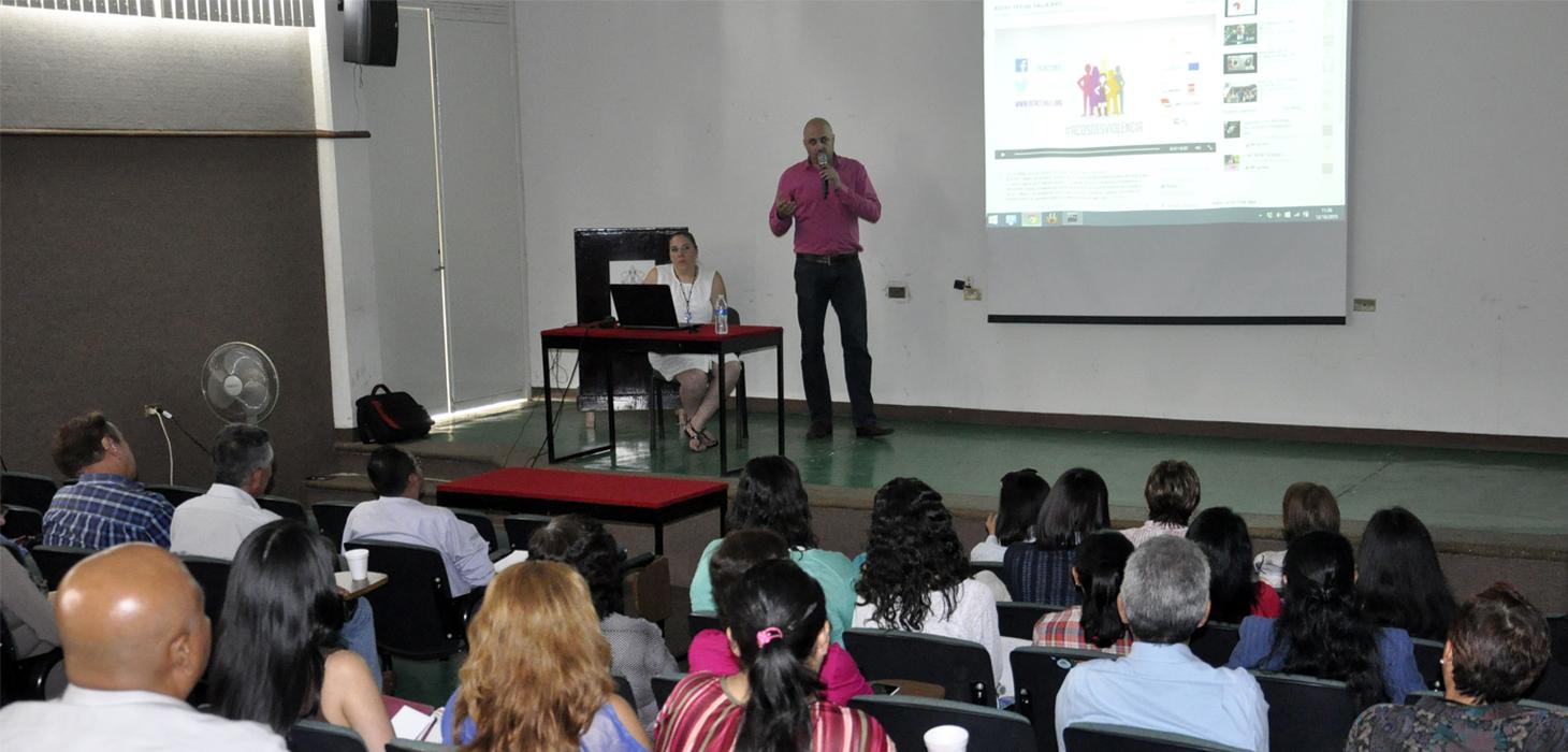 Realiza Unidad de Género de la SIOP conferencia sobre prevención de riesgos en las redes sociales