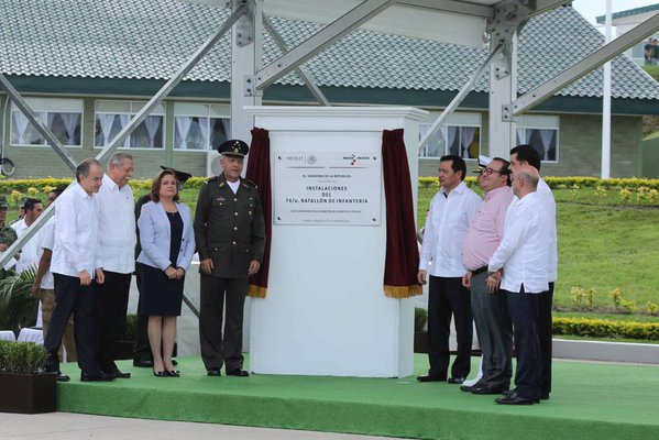 Autoridades federales y estatales inauguran el Campo Militar de la Huasteca