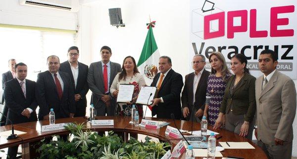 OPLE firma convenio con IVAI para fortalecer transparencia