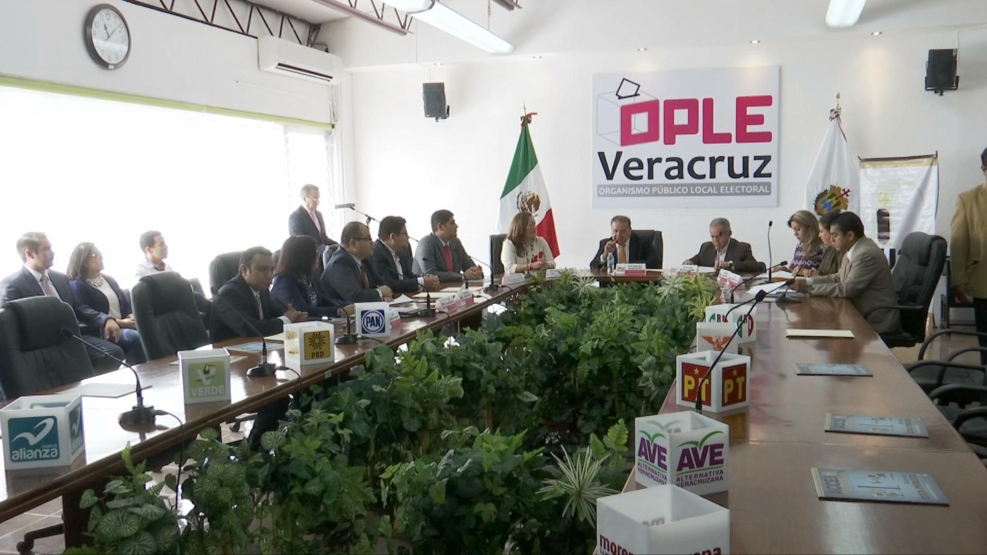 Aplican examen a aspirantes para integrar los Consejos Distritales Electorales