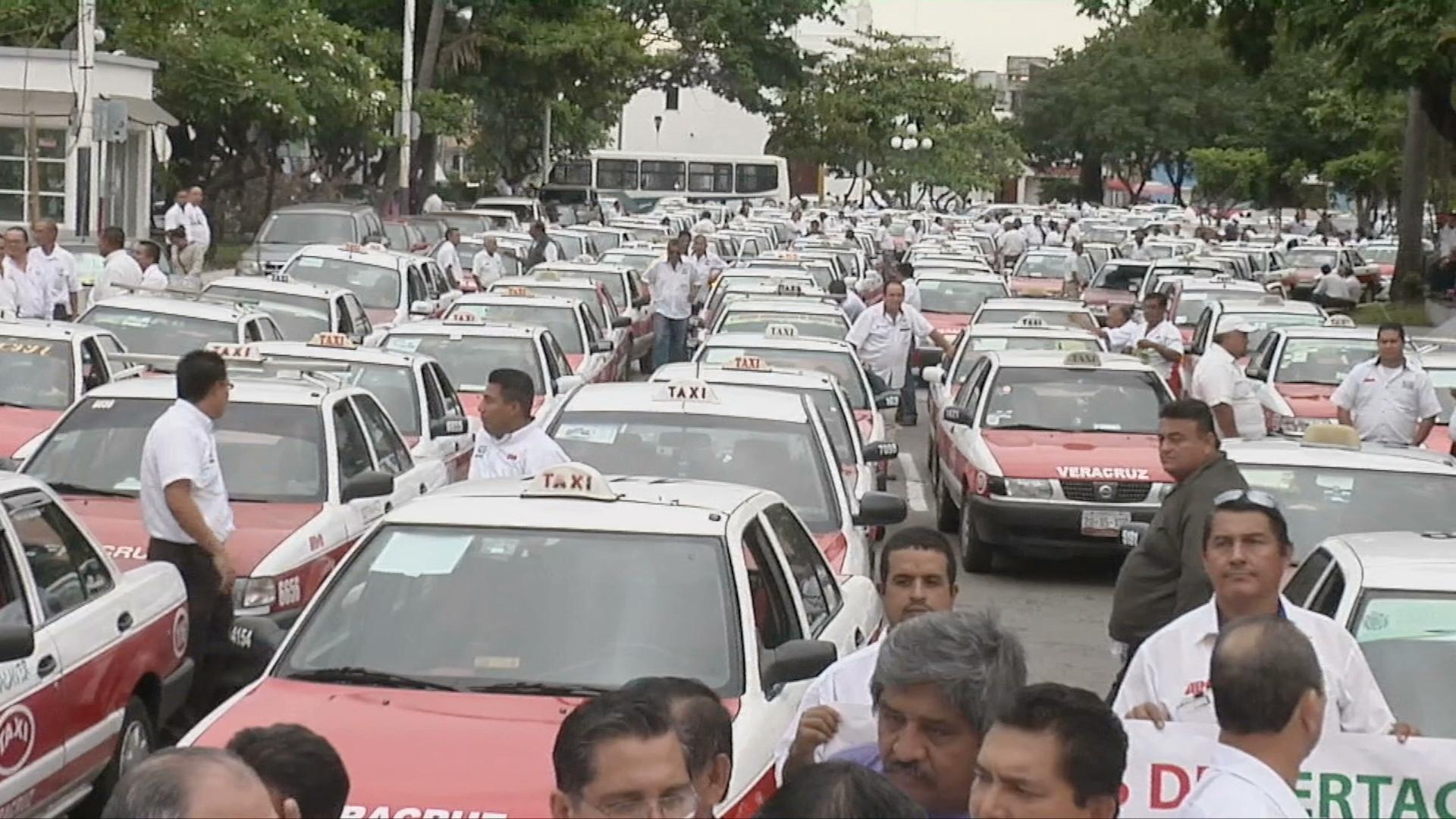 Taxistas  de Veracruz – Boca del Río se manifiestan ante el aumento del precio de combustible
