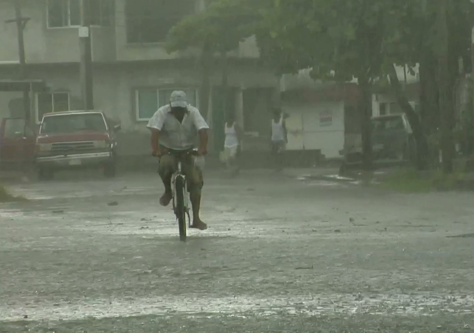 """Lluvias de 150 mm y vientos de 70 kilómetros por hora podría dejar """"Earl"""" en el puerto de Veracruz"""