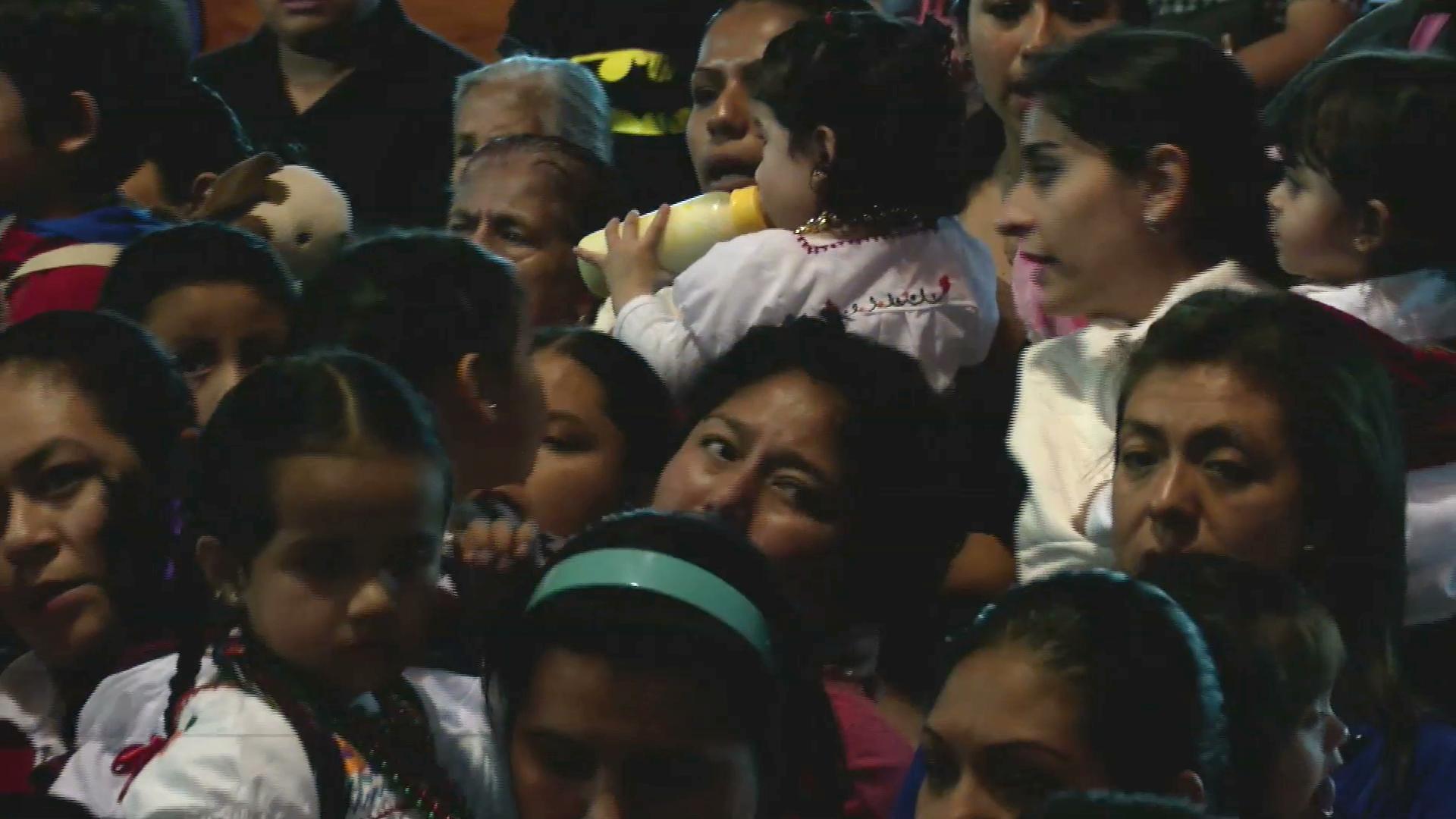Cientos de peregrinos llegan a la basílica de El Dique