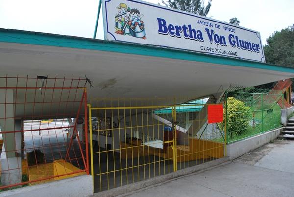 Roban biblioteca del jardín de niños Bertha Von Glümer