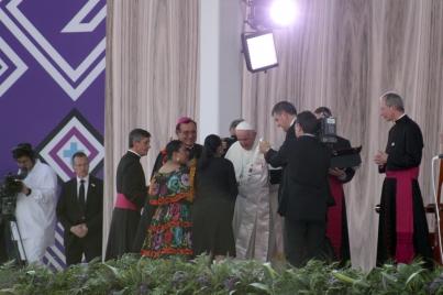 """Papa Francisco llama a """"echarle ganas"""" en encuentro con familias"""