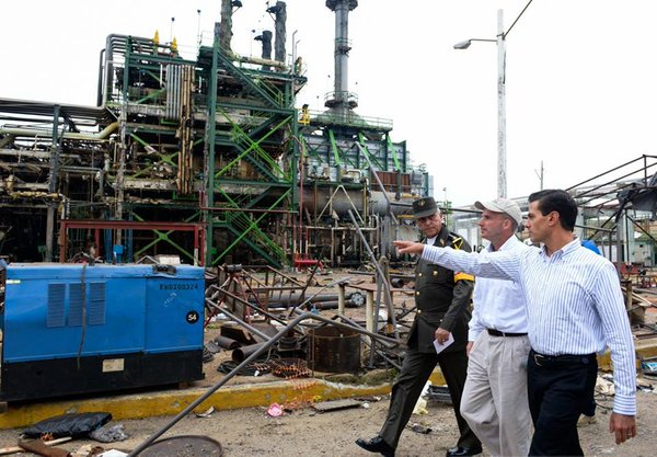 Peña Nieto visita a lesionados de Pemex por explosión en Veracruz